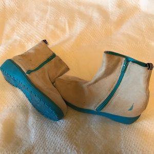 Girls Nautica Boot!